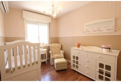 Как обустроить детскую комнату: выбираем мебель, ковер и аксессуары